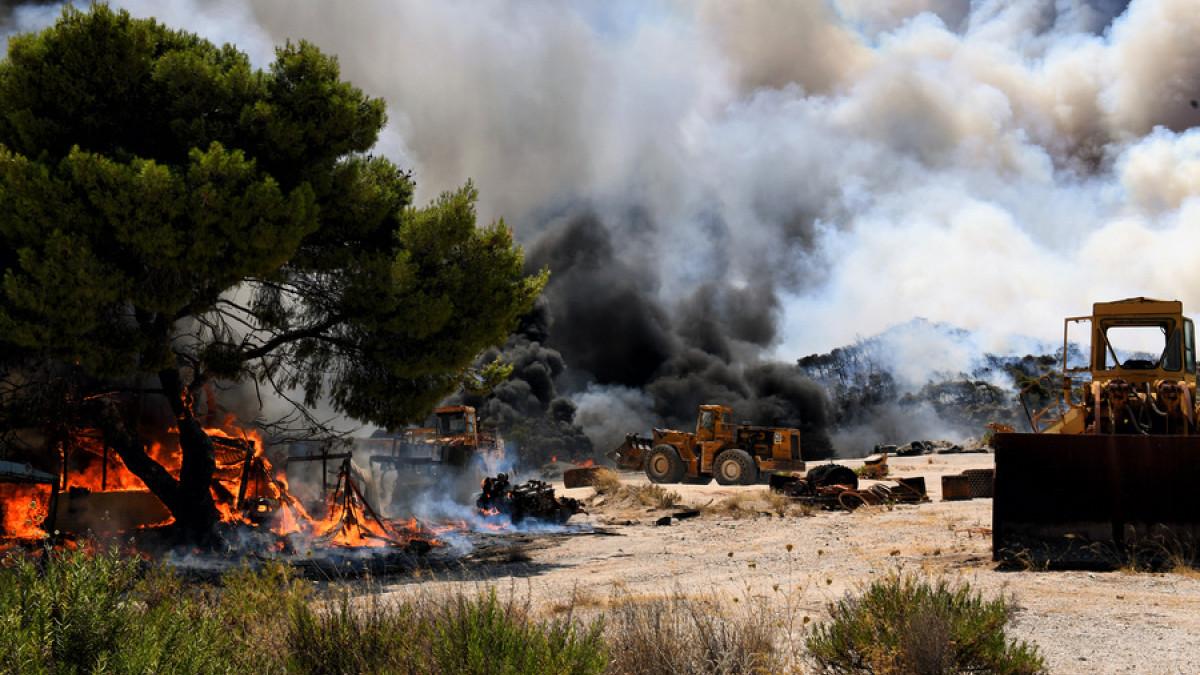 Μαίνεται η φωτιά στις Κεχριές – Η νεότερη ανακοίνωση της κατασκήνωσης για την ασφάλεια των παιδιών