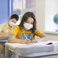 Επαφή με κρούσμα στο σχολείο: Το ΕΚΠΑ εξηγεί γιατί είναι προτιμότερο το καθημερινό τεστ παρά η απομόνωση