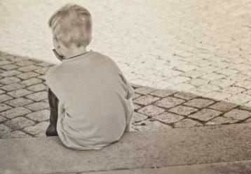 θλιμμένο αγόρι