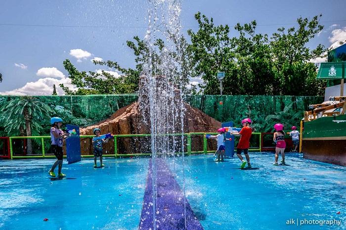 Κερδίστε 3 διπλά βραχιολάκια για να παίξετε και να διασκεδάσετε στα Aidonakia Water World (από 1/8 έως 7/8)
