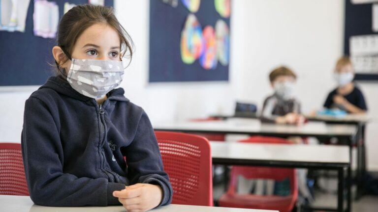 Ζαχαράκη: Γίνεται συζήτηση για χρήση μάσκας στα σχολεία – Θα γίνονται τεστ κορωνοϊού στους μαθητές;