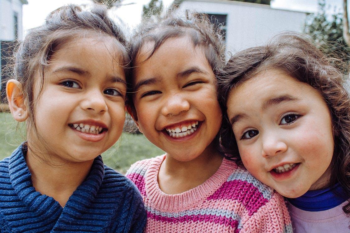 Υιοθεσία: Τη Δευτέρα 6 Ιουλίου θα ξεκινήσει η διαδικασία σύνδεσης παιδιών με υποψήφιους γονείς