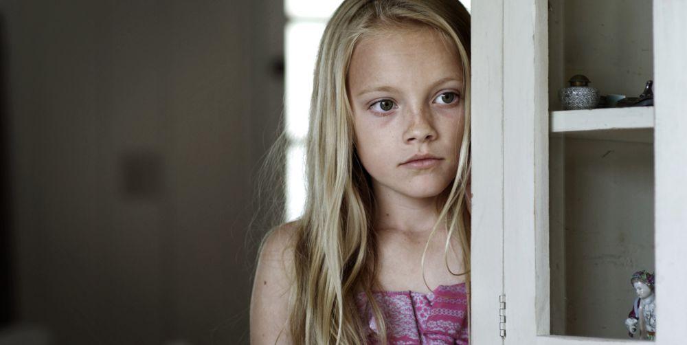 ReMoved: Δείτε τη συγκλονιστική ταινία μικρού μήκους για την ενδοοικογενειακή βία με αφηγήτρια μια 10χρονη