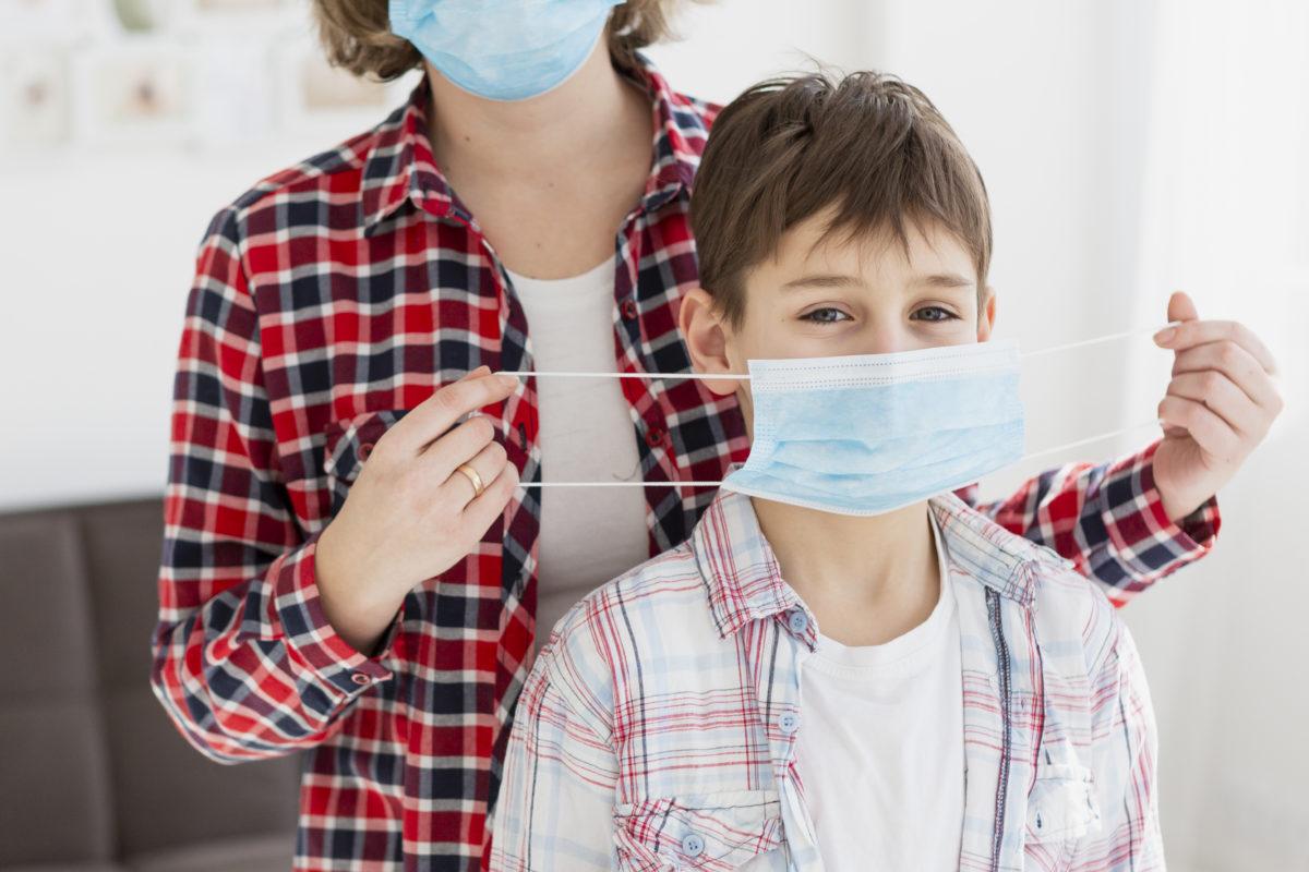 Ελληνική Παιδιατρική Εταιρεία: 9 ερωτήσεις – απαντήσεις για τη χρήση της μάσκας στα σχολεία
