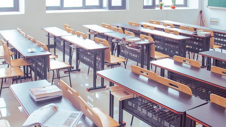 """""""Κλείδωσε"""" σκληρό lockdown με κλειστά σχολεία σε Αχαΐα και Εύβοια"""