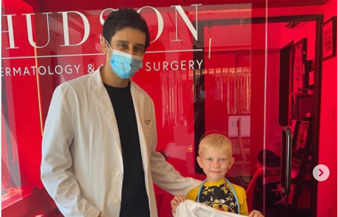 Ο 6χρονος που έσωσε την αδερφή του από επίθεση σκύλου παίρνει το δώρο της ζωής του!