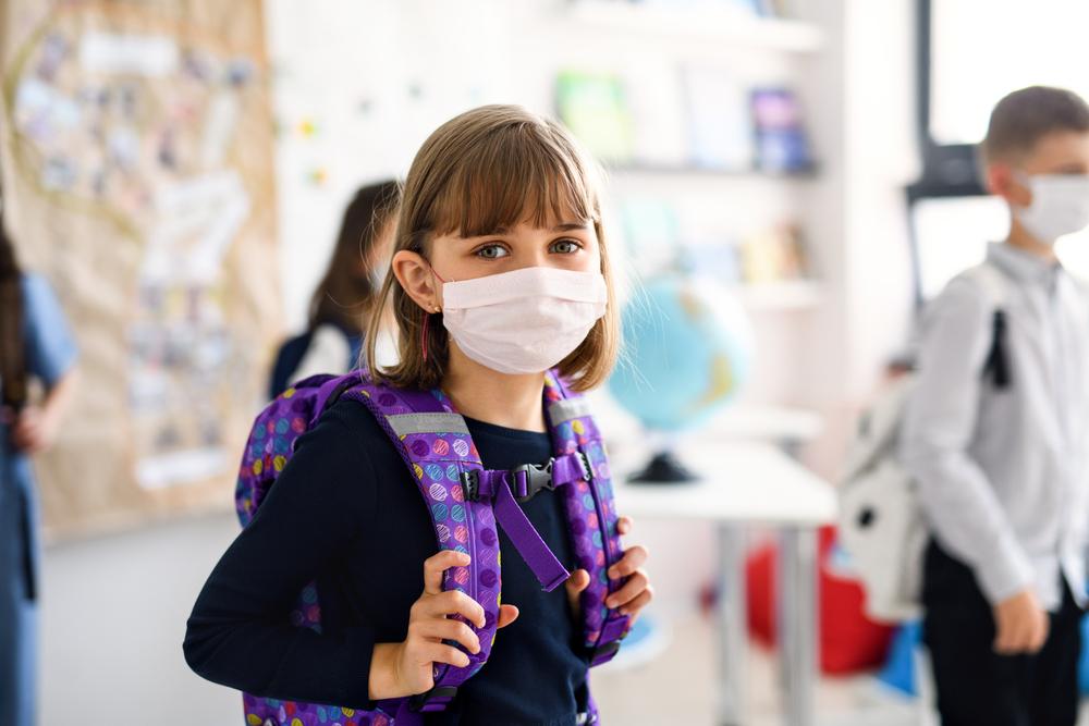 Υπ. Παιδείας: Δύο μάσκες ανά μαθητή και εκπαιδευτικό – «Δεν νοείται να είναι κανείς στο σχολείο χωρίς μάσκα»