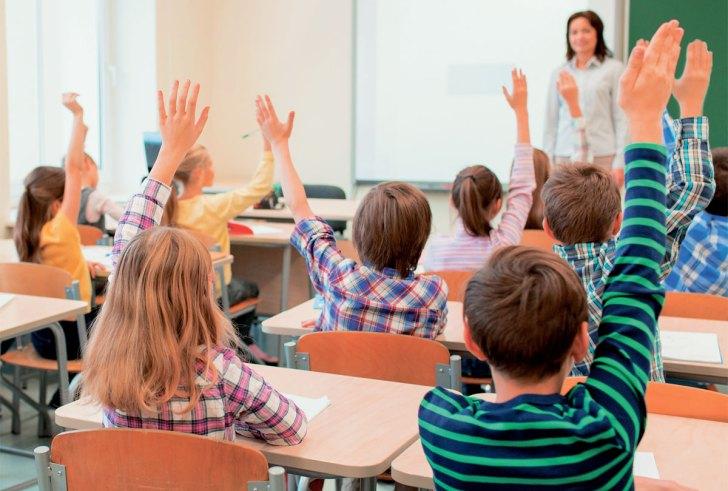 """Σ. Ζαχαράκη: """"Κανονικά στις τάξεις μαθητές με γονείς που ανήκουν σε ευπαθείς ομάδες"""""""