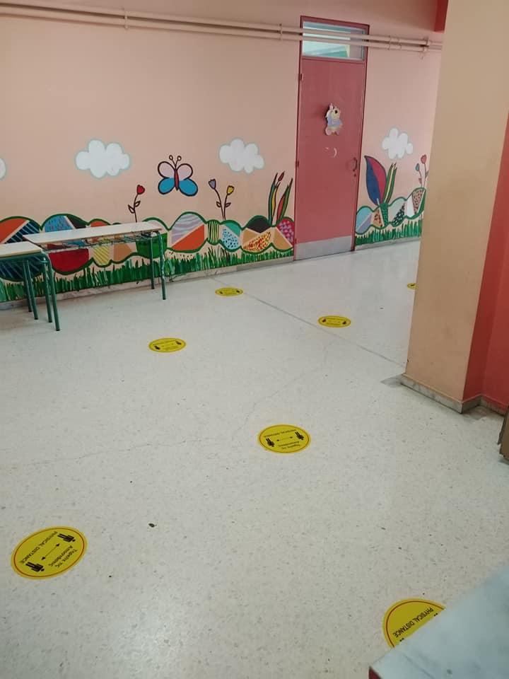 Κυλικείο σχολείου στον Μαραθώνα βρήκε την τέλεια λύση για να μην συνωστίζονται οι μαθητές στο διάλειμμα