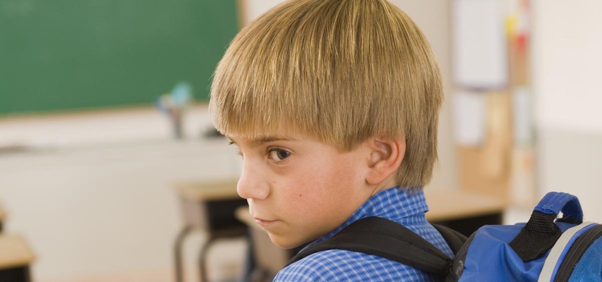 Καθηγητής Δερμιτζάκης: «Ευθύνες στους γονείς αν το παιδί δεν φοράει τη μάσκα του στο σχολείο»