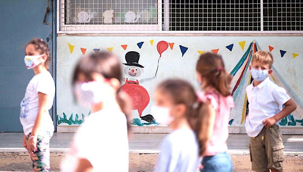 Ξεκινούν τα rapid tests για κορωνοϊό στα σχολεία – Πρύτανης ΕΚΠΑ: θα βοηθήσουν στην ομαλή λειτουργία των σχολείων