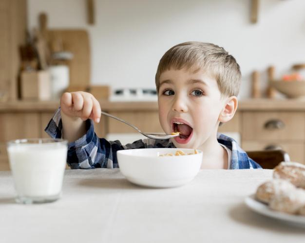 Νηστικός μαθητής… δεν αποδίδει: 5 συμβουλές για σωστό πρωινό πριν το σχολείο