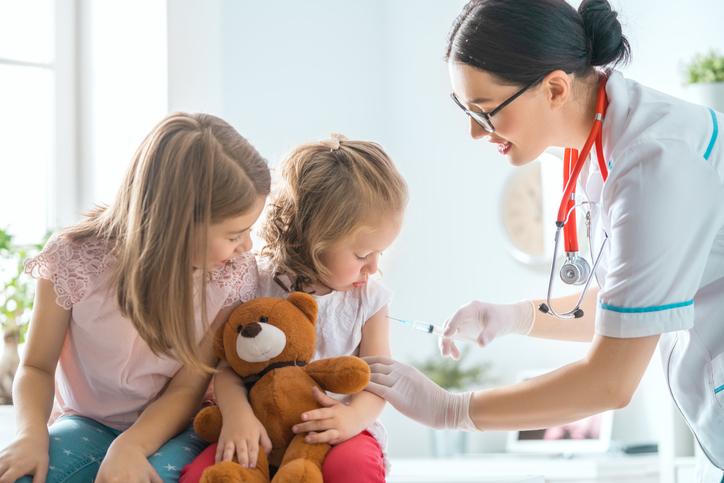 """M. Θεοδωρίδου: """"Αυτές οι ομάδες παιδιών επιβάλλεται να εμβολιαστούν φέτος κατά της γρίπης"""""""