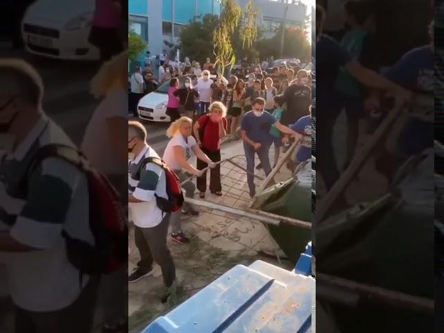 Καταγγελία: Γονείς επιτέθηκαν και τραυμάτισαν μαθητές Γυμνασίου για να σπάσουν την κατάληψη (video)