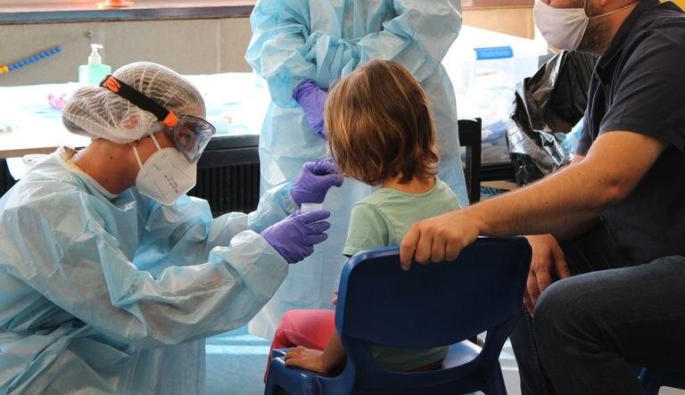 Θα γίνουν rapid tests για τον κορωνοϊό σε σχολεία της Κοζάνης και της Καστοριάς – Η ανακοίνωση προς τους γονείς