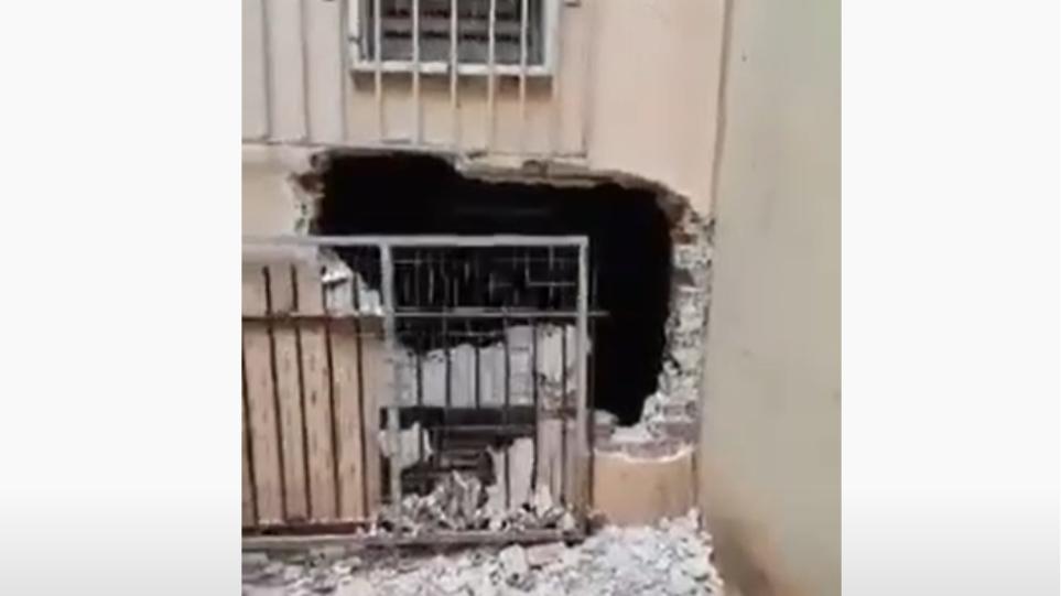 Απίστευτες εικόνες: Γκρέμισαν τοίχο σχολείου για να κλέψουν το κυλικείο!