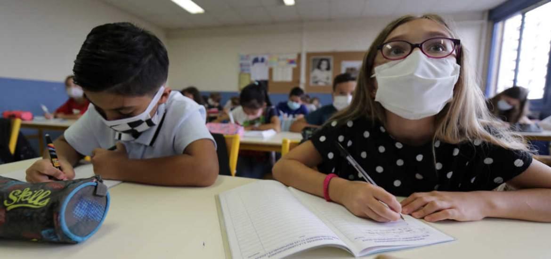 """""""Οι μάσκες δεν κρατάνε αποστάσεις αλλά οι μαθητές είναι το σχολείο που νικάει πάντα"""": Οι σκέψεις ενός δασκάλου που αξίζει να διαβάσουμε"""