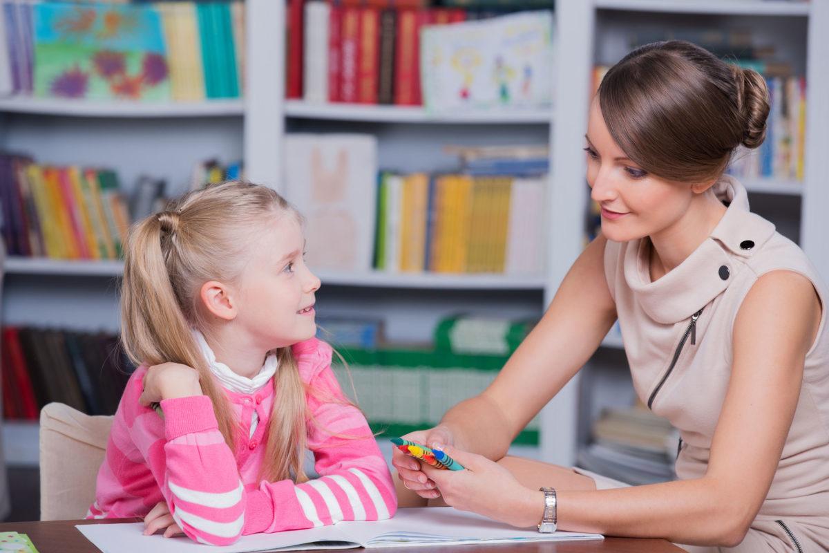 Ψυχολόγοι και κοινωνικοί λειτουργοί έρχονται στα σχολεία όλης της χώρας – Ποιος ο ρόλος και τα καθήκοντά τους
