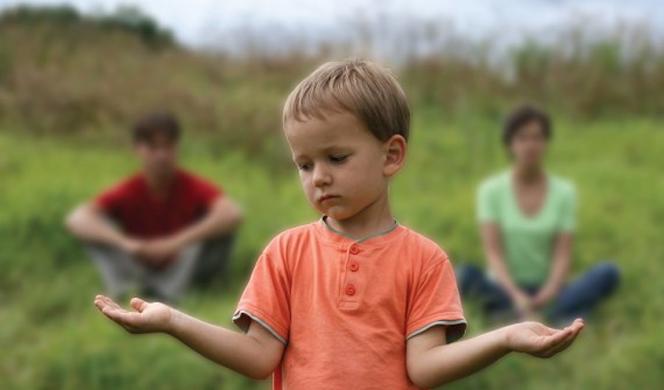 """Υπ. Δικαιοσύνης: """"Με την συνεπιμέλεια, έχουμε την από κοινού άσκηση επιμέλειας με βάση το πραγματικό συμφέρον του παιδιού"""