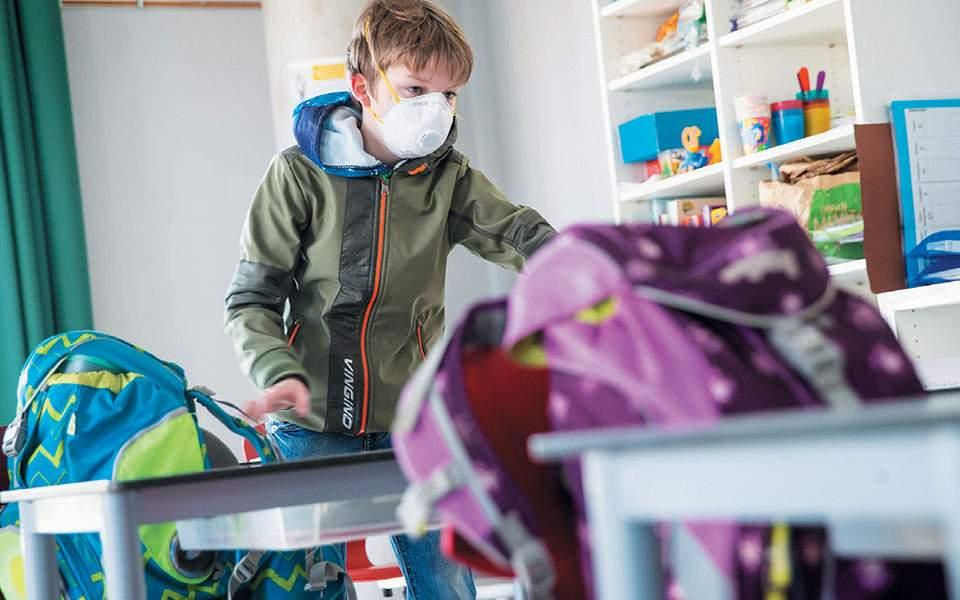 """Βατόπουλος: """"Προτεραιότητα, το άνοιγμα των σχολείων"""" – Καθ. Παιδιατρικής: """"Λέμε πρώτα να ανοίξουν τα Δημοτικά"""""""