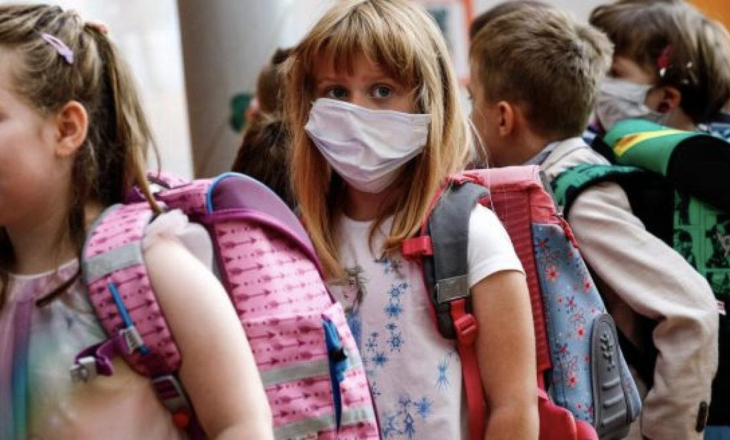 Υποχρεωτική η χρήση μάσκας παντού στα σχολεία – Έτσι θα γίνεται το διάλειμμα μάσκας – Όλο το ΦΕΚ