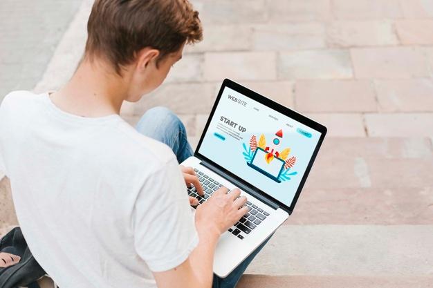 Πώς θα δοθούν tablets και laptops στους μαθητές για την τηλεκπαίδευση: Η διαδικασία και τα κριτήρια