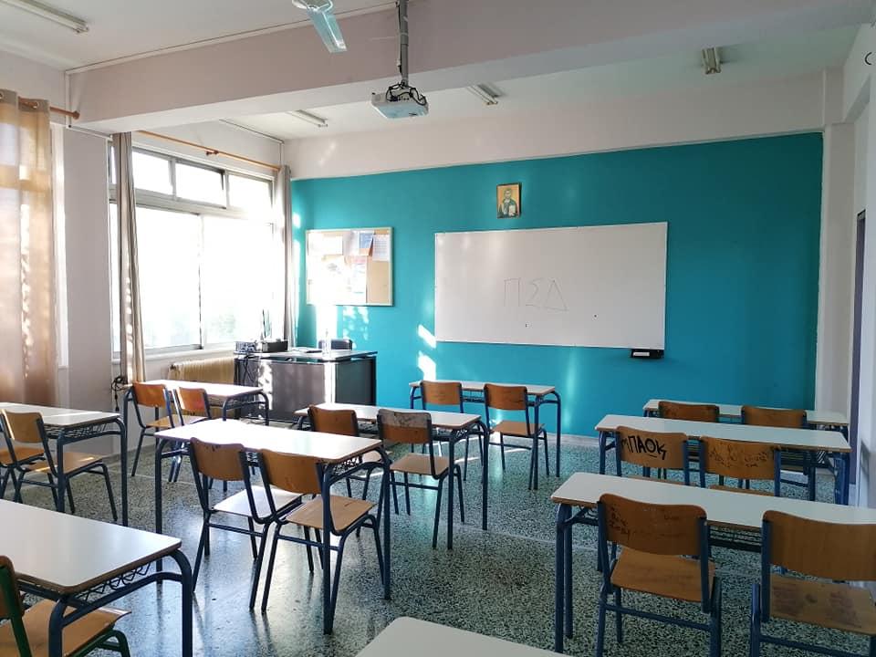 Επιστροφή στα θρανία για μαθητές Δημοτικού και Νηπιαγωγείων – Αυξημένα μέτρα προστασίας – Προβληματισμένοι οι γονείς