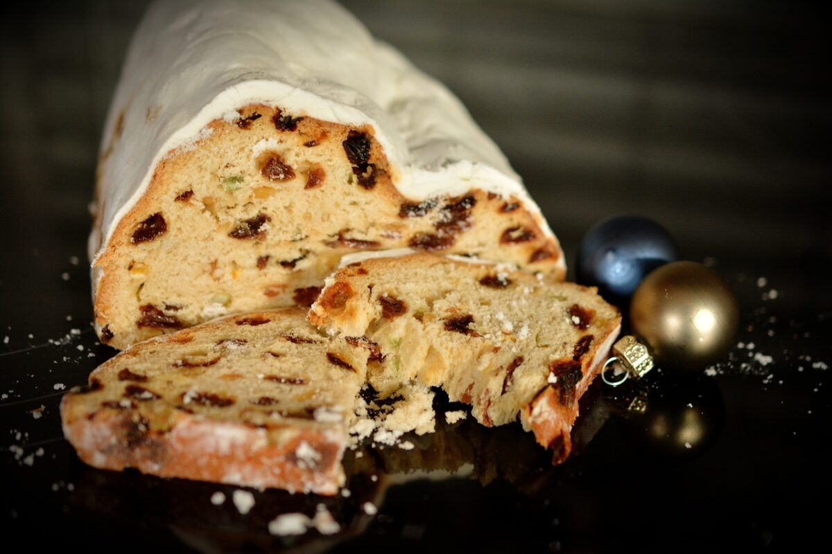 Φτιάχνουμε Stollen, το γερμανικό πεντανόστιμο κέικ που συμβολίζει τον νεογέννητο Χριστό