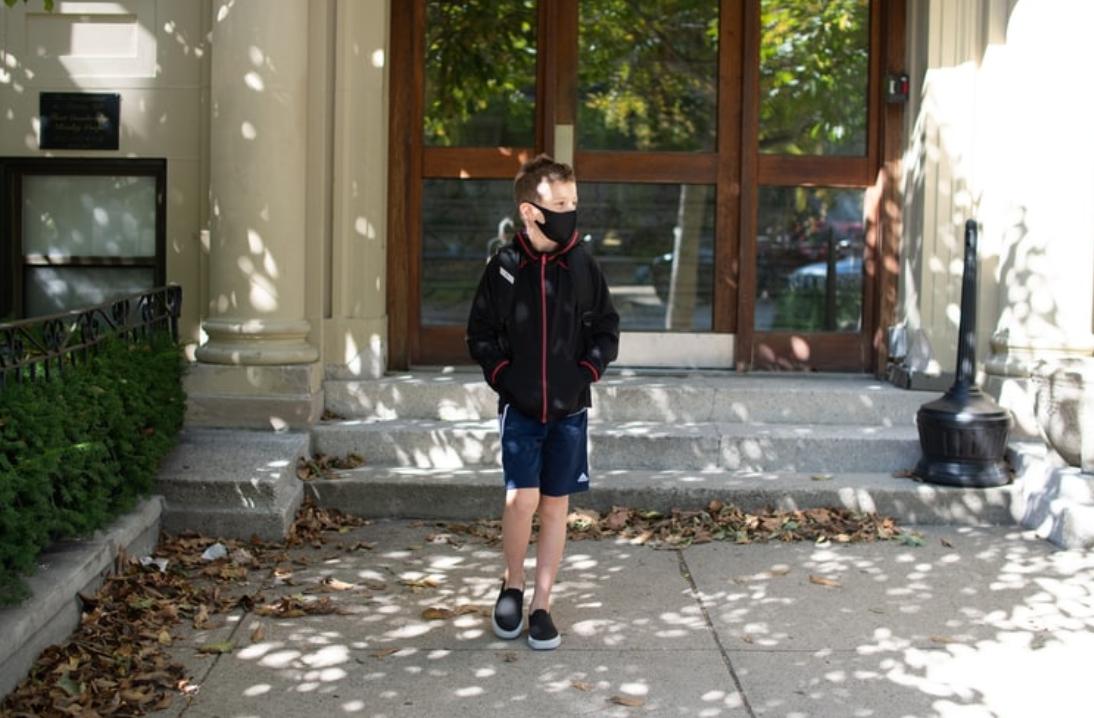 Ήρθαν οι νέες μάσκες για μαθητές και εκπαιδευτικούς – Ξεκίνησε η παράδοση σε 2 μεγέθη