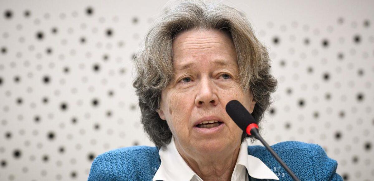 """Λινού: """"Παγκόσμιος κίνδυνος να ξεμείνουμε από εμβόλια – Τα σχολεία να ανοίξουν τμηματικά"""""""