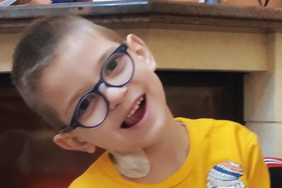 Έκκληση για βοήθεια: Ο 5,5 ετών Βαγγέλης έχει κακοήθη όγκο στο μάτι και χρειάζεται τη στήριξή μας