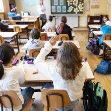 """Κορωνοϊός και σχολεία μία εβδομάδα μετά: Τέταρτο κύμα στα τέλη Σεπτεμβρίου """"βλέπει"""" η Θεοδωρίδου"""