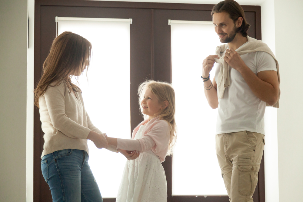 «Η συνεπιμέλεια είναι ζήτημα ισότητας»: Μαμά εξηγεί γιατί ήταν ό,τι καλύτερο έκανε για την κόρη της μετά το διαζύγιο