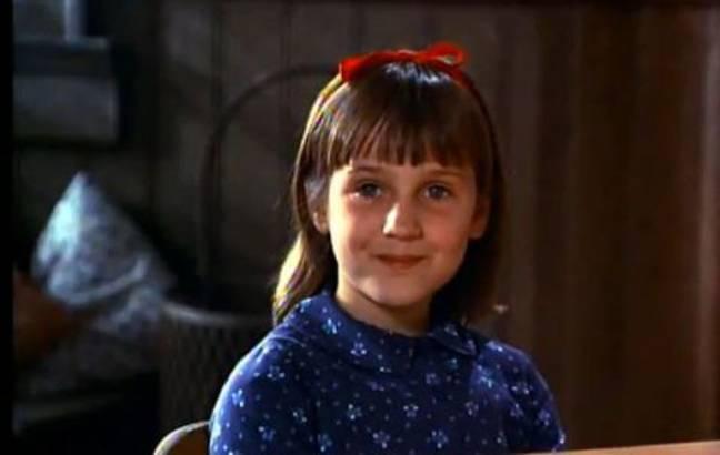 """H """"Matilda"""" αποκαλύπτει την αδυσώπητη σεξουαλική παρενόχληση που δεχόταν ως παιδί-ηθοποιός από 50χρονους"""