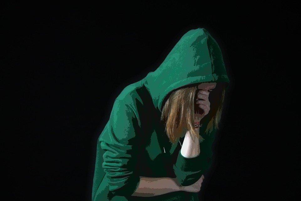 «Είμαι τσιμπημένος μαζί σου»: Η ιστορία παρενόχλησης 13χρονης από τον δάσκαλό της