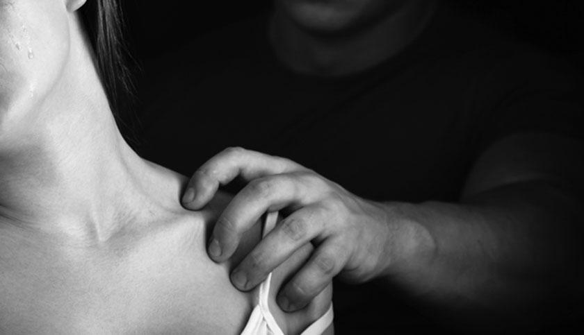 «Με χτυπούσε, με εξέδιδε και μου έπαιρνε όλα τα χρήματα»: Η κατάθεση της 17χρονης Αμάντα για όσα βίωσε