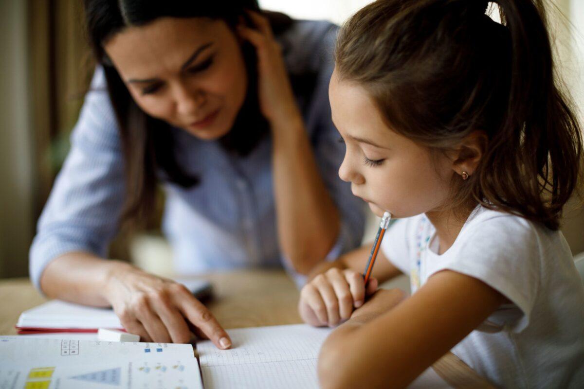 Διευκρινίσεις για την άδεια ειδικού σκοπού – Τι ισχύει για γονείς με παιδιά ΑμεΑ ή ευπαθών ομάδων