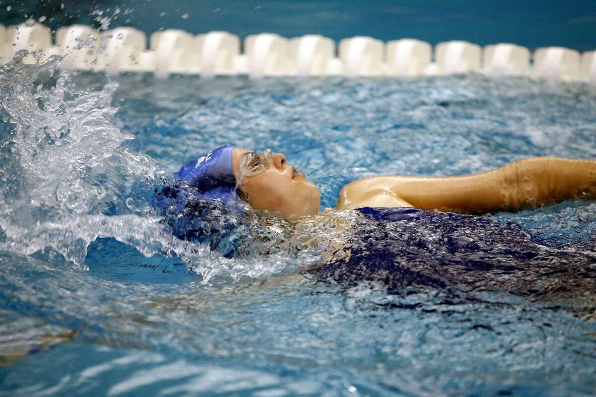 Παράγοντας της κολύμβησης κακοποιούσε σεξουαλικά 10χρονα κορίτσια – Σοκάρουν οι καταγγελίες που ήρθαν στο φως