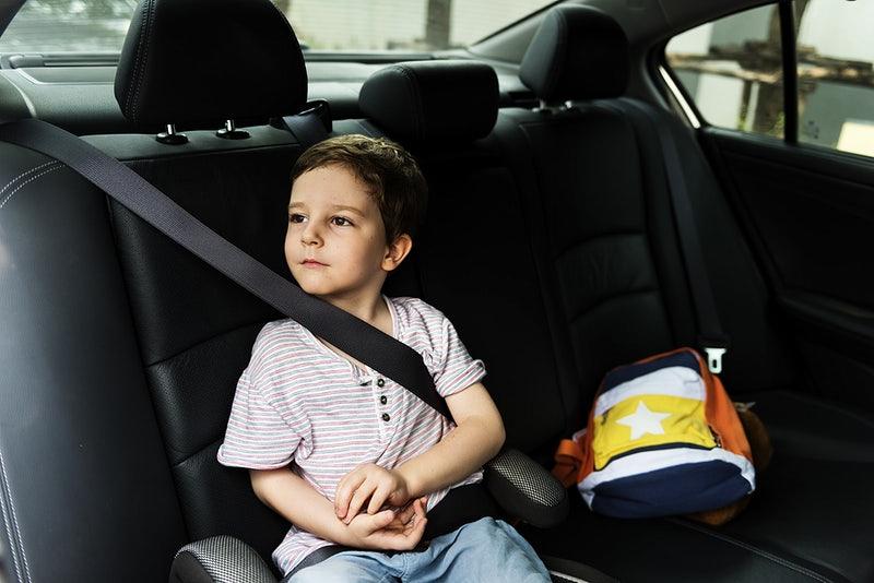 Κάθισμα αυτοκινήτου: Πότε γίνεται η μετάβαση από το booster στην απλή χρήση ζώνης;