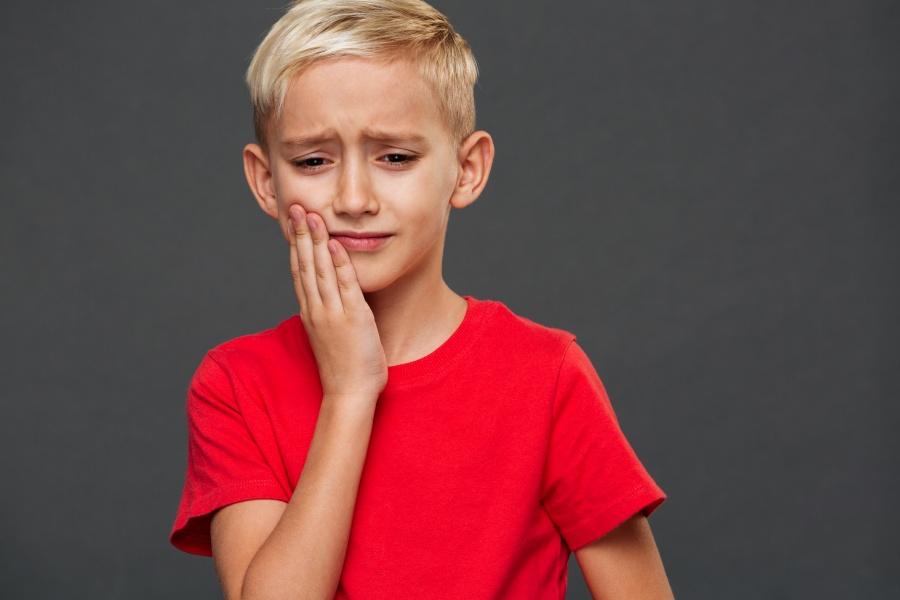 Οι 4 μεγάλοι κίνδυνοι στα γεννητικά όργανα των αγοριών που πρέπει να γνωρίζετε