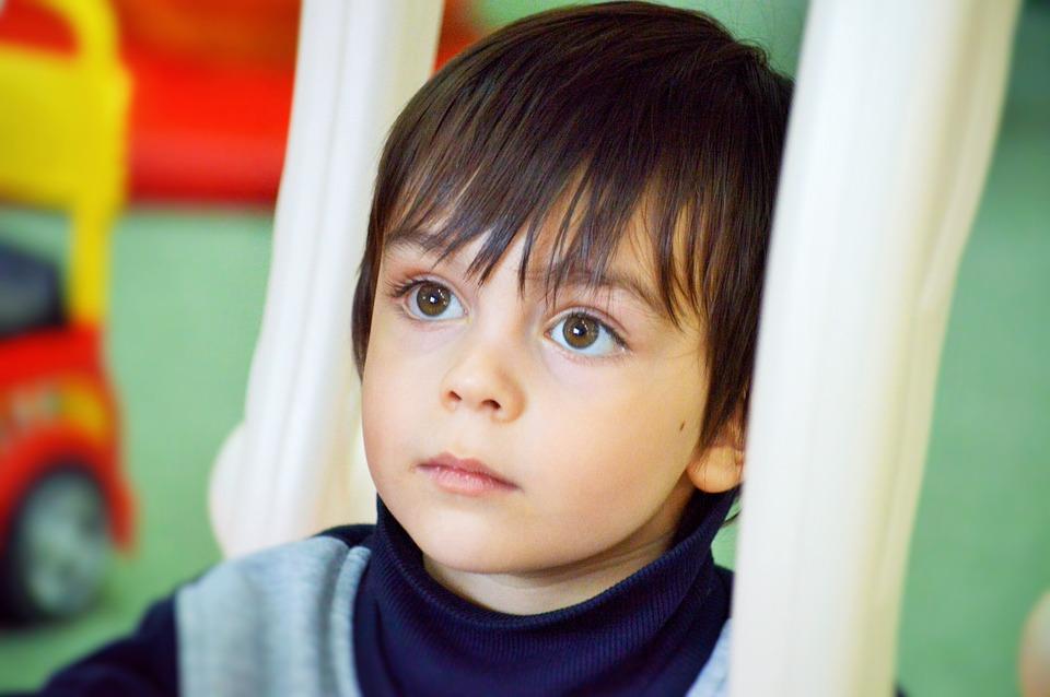 """""""Όλοι οι γονείς ΠΡΕΠΕΙ να είναι ήρωες κι όλα τα παιδιά ΕΙΝΑΙ άγγελοι"""": Το μήνυμα ενός μπαμπά αυτιστικού παιδιού"""