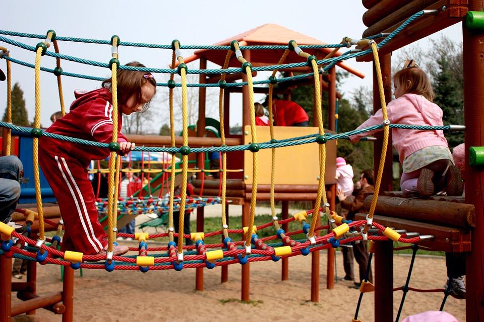 Ένα νέο υπερσύγχρονο πάρκο με πρότυπη παιδική χαρά και ποδηλατόδρομο θα αποκτήσει η Αττική