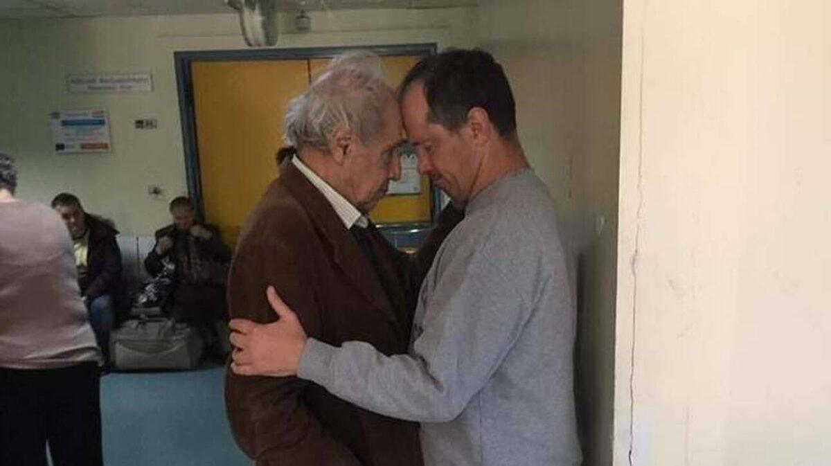 Πέθανε ο γιος του σκηνοθέτη Δημήτρη Κολλάτου – Συγκλονίζει το μήνυμα της Νένας Χρονοπούλου