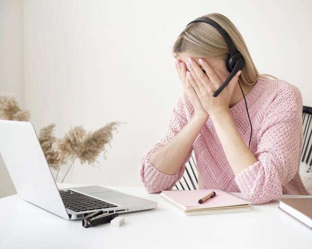 Καταγγελία για την τηλεκπαίδευση: Επιδειξίας εισέβαλε σε ψηφιακή τάξη εν ώρα μαθήματος