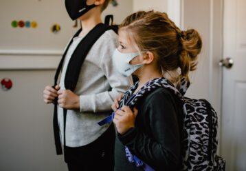 Κορωνοϊός - ΗΠΑ: Κατακόρυφη αύξηση κρουσμάτων στα παιδιά με το άνοιγμα των σχολείων