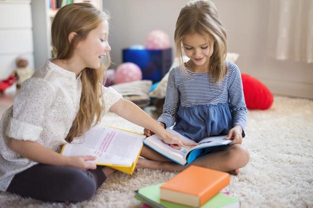 """Τα 9 ολοκαίνουργια βιβλία της """"Φρουτοπαρέας"""" θα κρατήσουν τη καλύτερη καλοκαιρινή παρέα στα παιδιά!"""