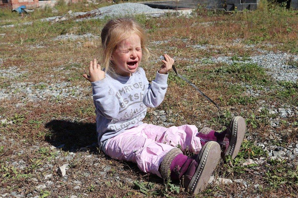 """Πριν αγνοήσεις τη κακή συμπεριφορά του παιδιού για να μην σου """"πάρει τον αέρα"""" σκέψου καλά τι μήνυμα του δίνεις"""