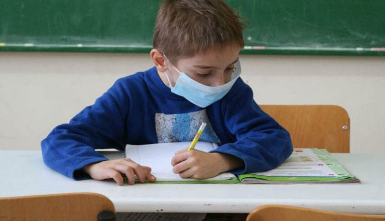 Υπ. Παιδείας: Ποιες εναλλακτικές υπάρχουν αν δεν θέλετε να κάνετε self test στο παιδί για να πάει σχολείο