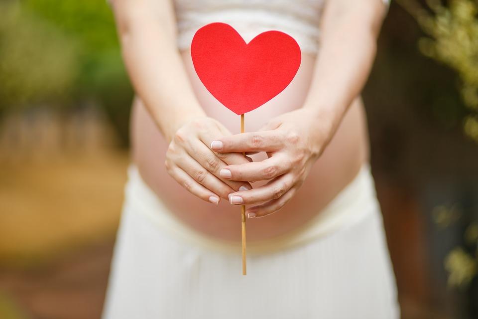 Παγκόσμια Ημέρα Μητέρας: Ποιες είναι οι ανάγκες κατά τη διάρκεια του συναρπαστικού ταξιδιού από την εγκυμοσύνη στη μητρότητα;