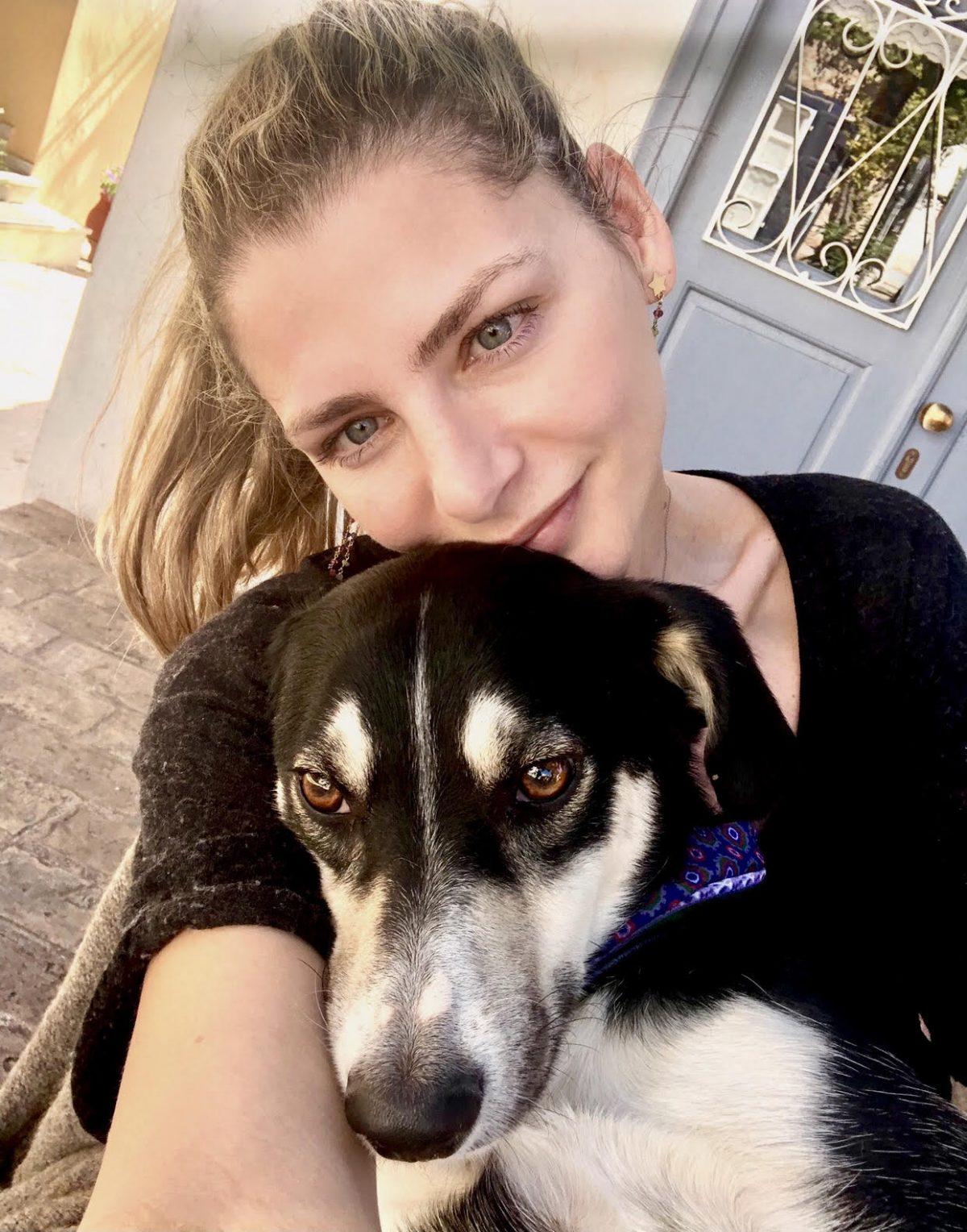 """Η Ζέτα Γκέκα μιλά στο Ιnfokids.gr για τα βιβλία της """"Λουλού, το ταξιδιάρικο σκυλάκι"""" και τη σημασία της φιλοζωίας"""